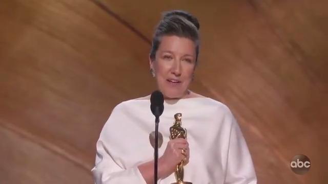 #Oscars Moment: Jacqueline Durran wins Best Costume Design for @LittleWomen.