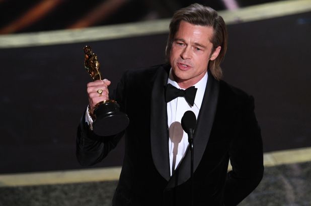 Brad Pitt wins Best Supporting Actor Oscar for Once Upon a time in Hollywood! Goooo!   #BradPitt #OnceUponATimeInHollywood #academyawards2020 #BestSupportingActor #Oscars #OscarSunday #Oscars2020 #AcademyAwards #Awards #Awardshows #cinephile #filmbuffpic.twitter.com/rEYJltqgoU