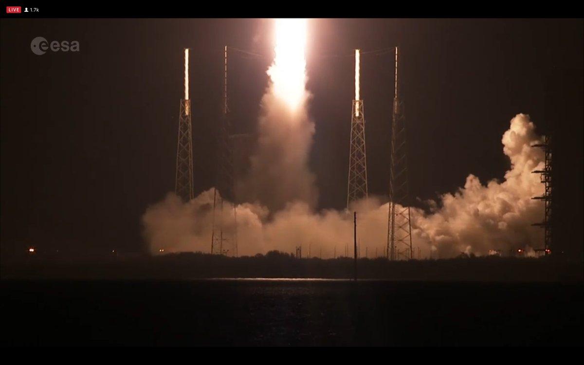 RT @ESASolarOrbiter: @NASAKennedy @esaoperations @esascience Liftoff! #WeAreAllSolarOrbiters https://t.co/FkdPOgQPLs