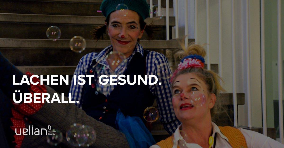 Dieses Mal freuen wir uns, die Arbeit der Klinikclowns vom Theater 'Feuer und Flamme' http://www.fuft.de/klinikclown unterstützen zu dürfen. Denn Lachen ist gesund. Überall. Auch im Büro!  #lachenistgesund #klinikclown #verantwortung #spende #feuerundflamme #braunschweig #niedersachsenpic.twitter.com/74B7PMvDaT