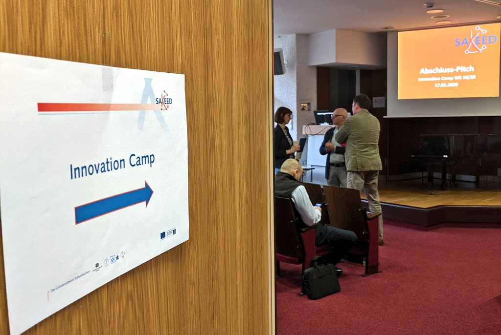 """Holzdesign meets Informatik. Im Semesterprojekt """"Innovation Day"""" haben Studierende von @WHZ_Zwickau fächer- und standortübergreifend zusammengearbeitet. DANKE für die Einladung in die Jury und den Austausch @SAXEEDpic.twitter.com/UhqIb6LLYF – at Westsächsische Hochschule Zwickau (FH Zwickau)"""