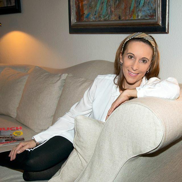 So entspannt auf der Couch liegen zu können ist herrlich, oder? Was machst du am liebsten zum Entspannen? Ich habe mir mal Gedanken gemacht und 6 Dinge in meinem Blog aufgeschrieben, die dir helfen, dich gut zu fühlen! Ich freue mich, wenn du lesen komms… https://ift.tt/2vF5cTtpic.twitter.com/m9taltg6zJ