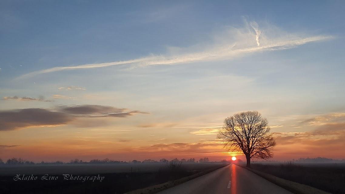 Beautiful sunrise photographed with Nokia 7 Plus #sunrise #beautifulsunrise #landscape #landscapephotography #landscapelovers #nature #naturephotography #mobileshot #nokia7pluspic.twitter.com/2sZP6RDyOu