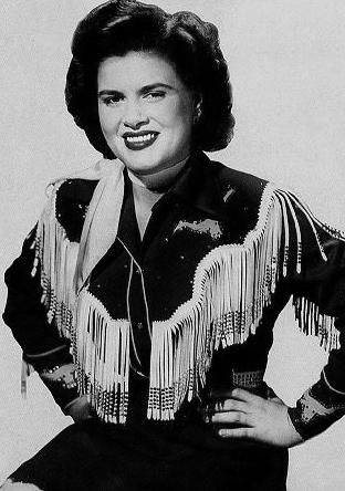 "33.45.78 #NowPlaying  #PatsyCline - Walking After Midnight - Gore Virginia - 1957  live @CIUT895FM  ""Our Life Is In Limbo""  #vinyl #vinylrecords #records #albums #lps #45s #RadioShow"
