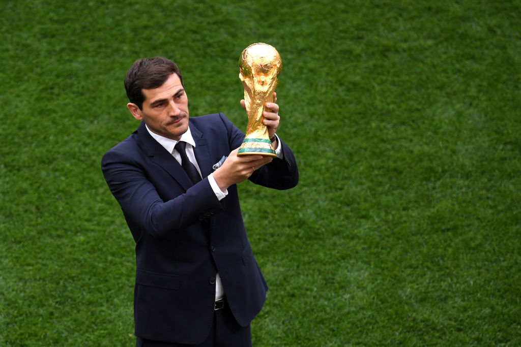 Casillas for president! 🇪🇸Spain's World Cup-winning goalkeeper Iker Casillas has announced his intention to run for the presidency of the Spanish Football Federation.Read: https://bbc.in/37AafC7
