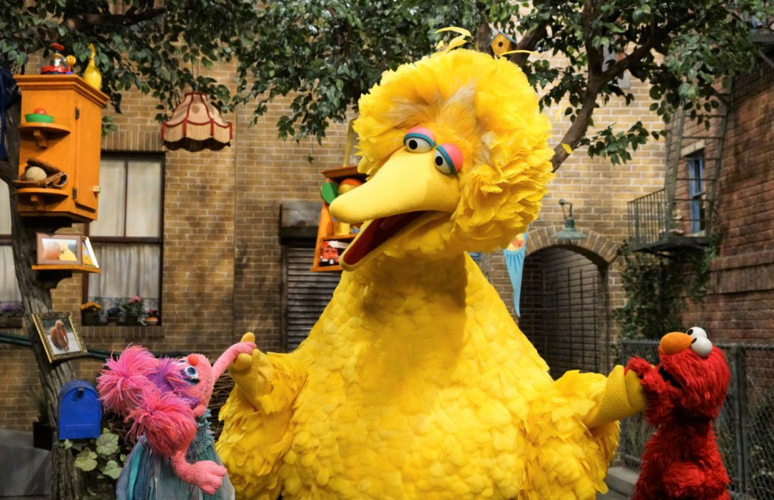Kindness is contagious ❤️ Join your friends on Sesame Street today to celebrate Random Acts of Kindness Day!