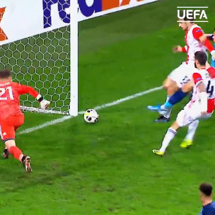 Leverkusen 🆚 Porto  Who are you backing?   #UEL