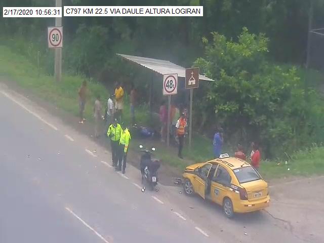 Ojos de Águila @cscgye capta en el Km 22.5 vía Daule un accidente de tránsito. @CTEcuador  asiste #PorTuSeguridad.pic.twitter.com/KmJEJGZOLC