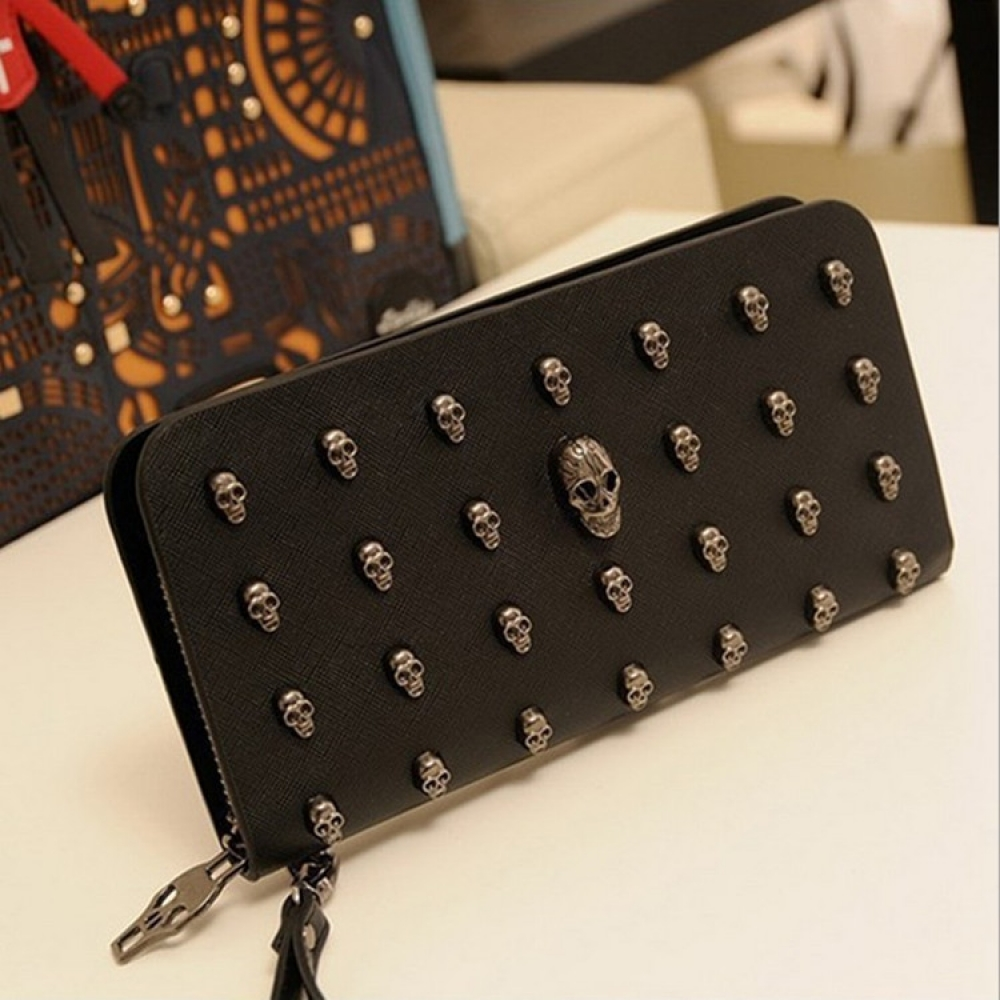 #superheroes #stylish #styles Women's Glam Skull Walletpic.twitter.com/ocH3z3czYm