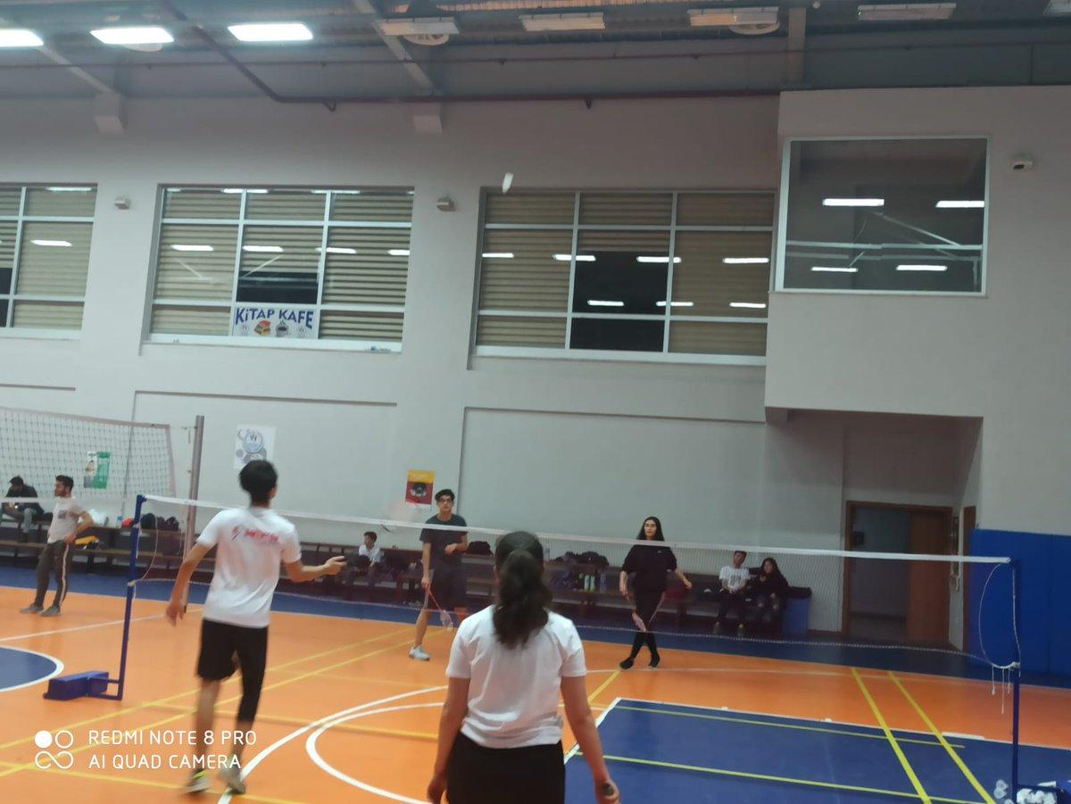 #SağlıklıYaşamveSporAtölyesi kapsamında başlattığımız #Badminton eğtimleri Merkezimiz Spor salonunda devam ediyor.