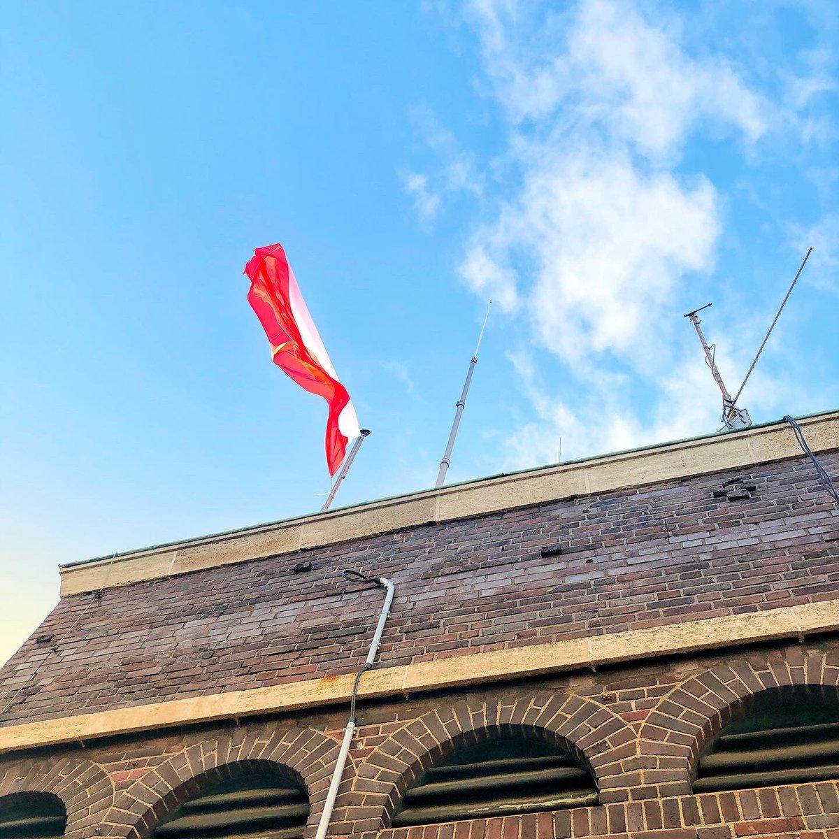 Dziś Polska flaga  nad ratuszem w #Oberhausen gdzie w imieniu Andrzeja Dziuby - Prezydenta Tychów podpisałem porozumienie o współpracy pomiędzy #Oberhausen i @MiastoTychy Tychy@PLinKoelnpic.twitter.com/eNdsCMaZ0t