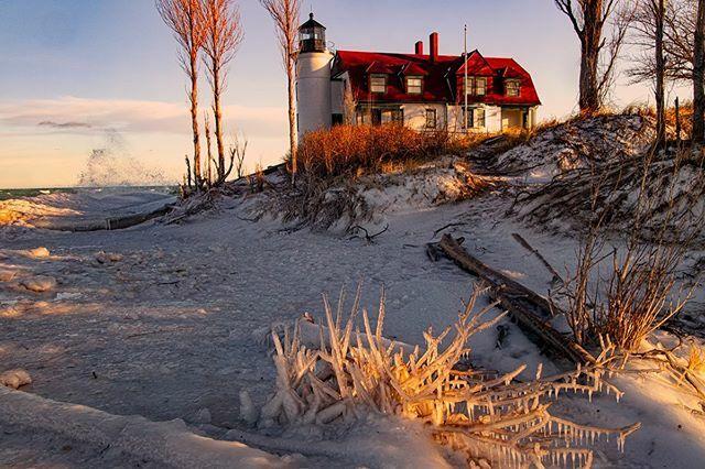 Point Betsie  lighthouse #puremichigan #puremittigan #puremittenpride #puremitten #m22life #traversecity #michiganphotographer #grandtraverseliving #capturingmichigan #greatlakesstate #onlyinmichigan #wanderlust #on1photo #greatlakeslocals #michiganunsal… https://ift.tt/2SxGUDZpic.twitter.com/CZaHTeOLF4