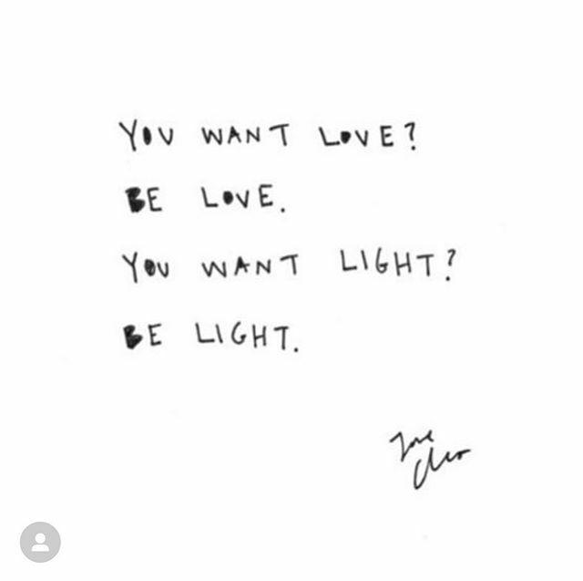 Be #Love.  Be #Light.   HAPPY MONDAY! #postivevibes https://ift.tt/39JsS7Mpic.twitter.com/7vb8Z0yWqD