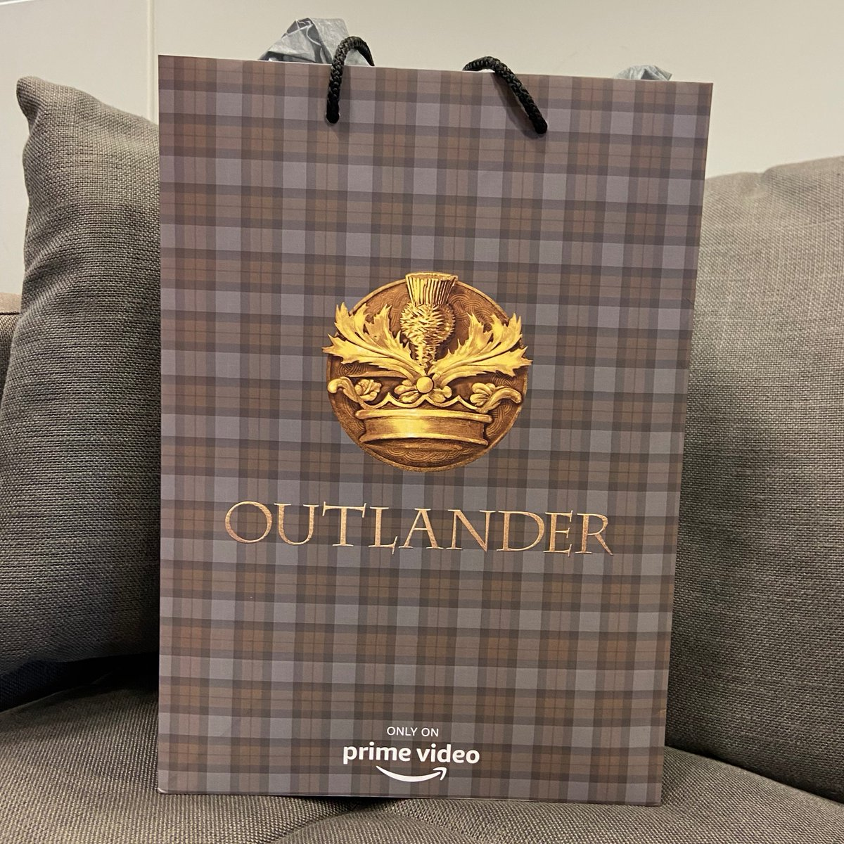 COMPETITION TIME!   To celebrate the Season 5 launch of #Outlander on Prime Video and #RandomActsOfKindnessDay, we have the ultimate fan bundle to giveaway!  For your chance to #WIN,  follow @sonypicsathome, RT and let us know why you love Outlander!