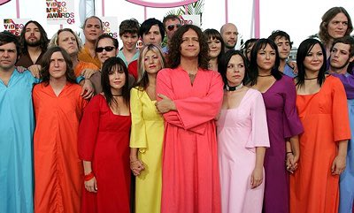 @jackdwagner still feels weird that the polyphonic spree didnt end with a mass suicide