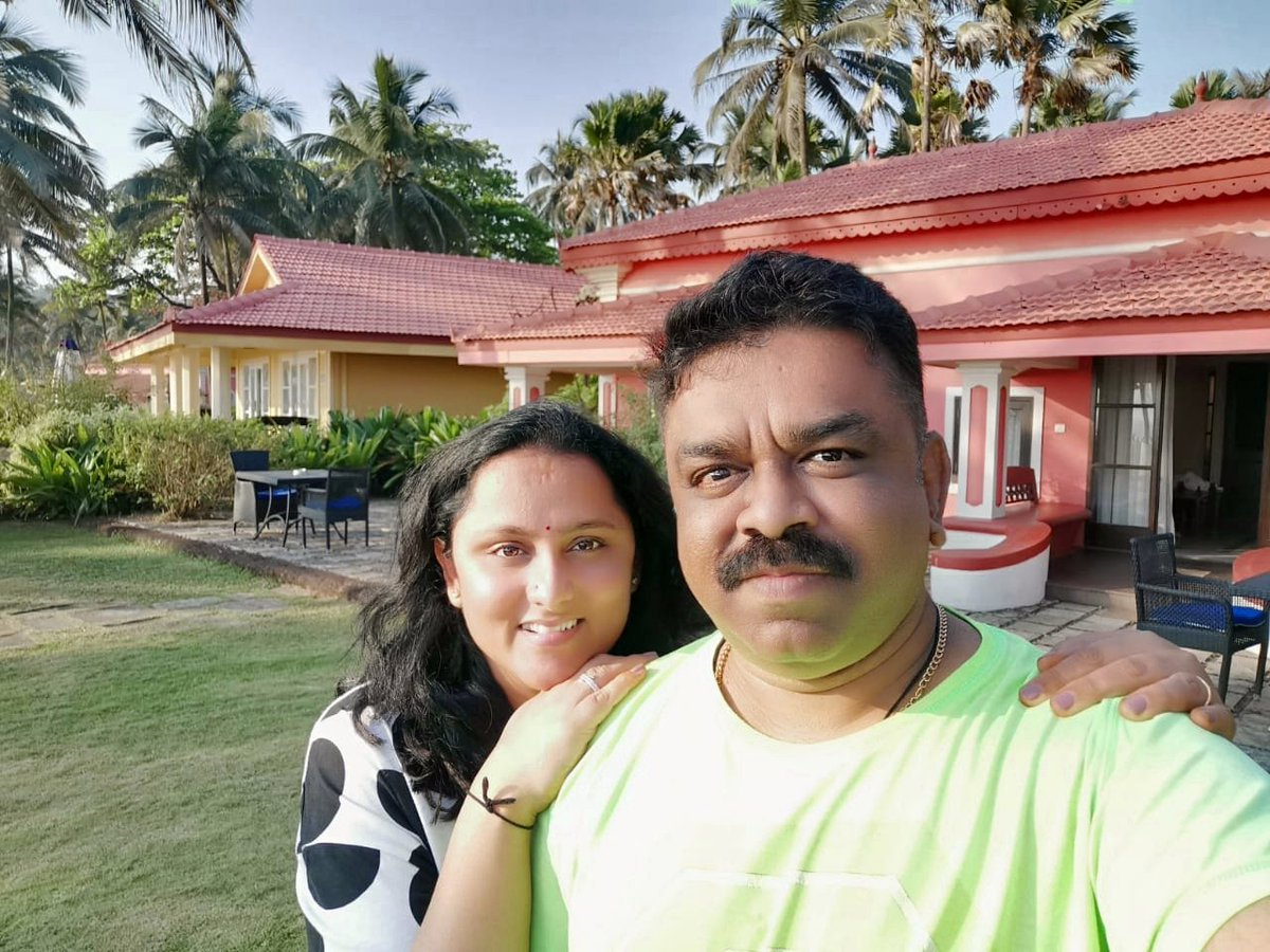 15yrs Joy, self-growth & plenty of wonderful stories between both of us, if it hasn't been for UR unconditional love & support. I don't think V would have been standing where V R right now. Happy 15thanniversary my girlfriend! ❤️ @iswapnakrishna  #godsgrace #Goa #togetherforever