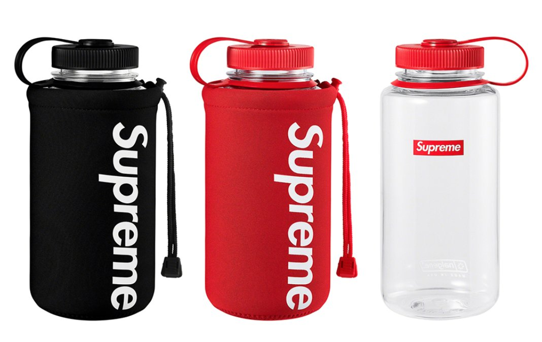 ATTN Promo Industry . Take notice of the new drop from #supreme and their use of #PromoProducts in their product Mix.  Albeit very random,  everything is on brand and most of the stuff is useful.  Check out the gallery of items at the following link! https://hypebeast.com/2020/2/supreme-spring-summer-2020-accessories …pic.twitter.com/oRQdscYFow