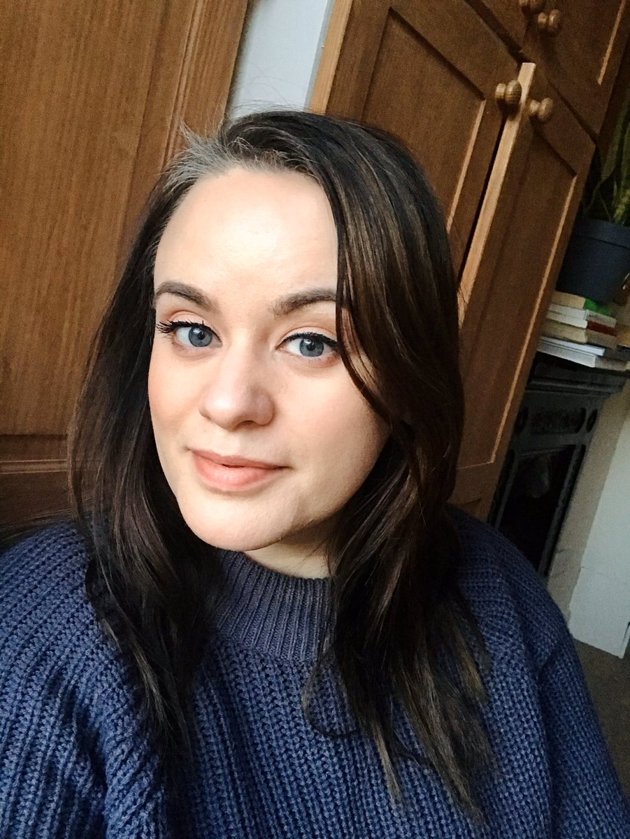 """For 2020, I decided to stop dying my hair & grow out my natural colour... which happens to be #GREY AF! I'm being an obnoxious #writer about it & saying """"I'm growing in my wisdom."""" No one believes me   #MondayMotivation #WritingCommunitypic.twitter.com/XGHYRtjlMZ"""