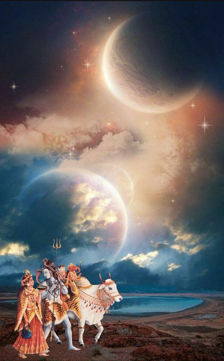 हिमालय के समान गौरवर्ण गंभीर करोङों कामदेव के समान प्रकाशवान और सुन्दर शरीर वाले, जिनके सिर पर कलकल रूपी मधुर स्वर करने वाली सुन्दर गंगाजी शोभायमान हैं, जिनके मस्तक पर बालचन्द्र और गले में सर्प सुशोभित हैं उन कालों के महाकाल को प्रणाम#हर_हर_महादेव #हिंदुओं_के_लिए_सिर्फ_भारतpic.twitter.com/0SSEAJk42n