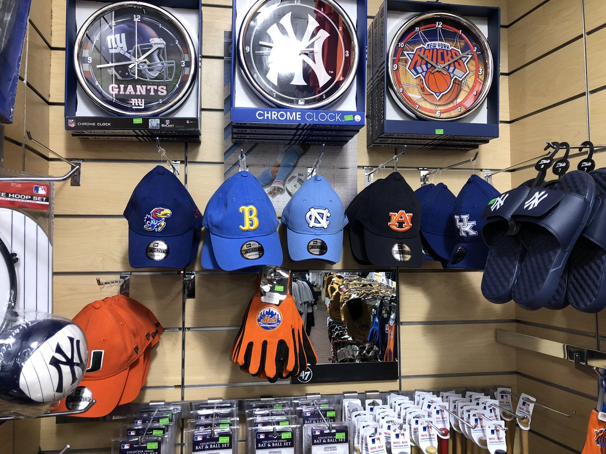 Store in Times Square makes sure to have hats for all the college basketball blue bloods. @AuburnMBB @PabloEscobarner