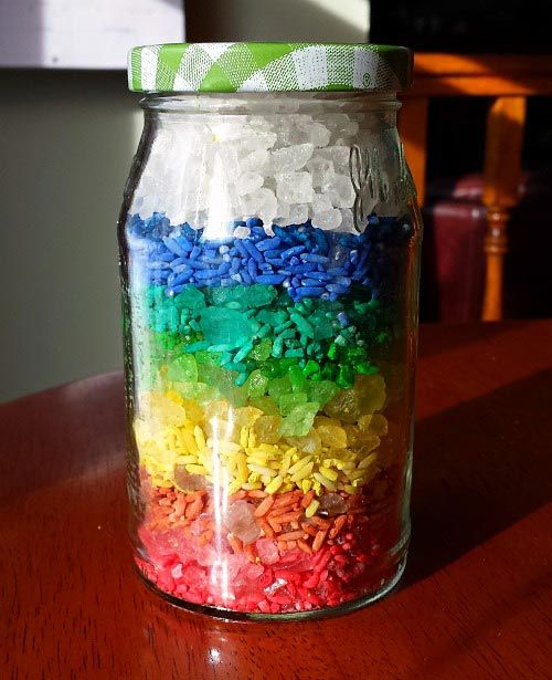 Creative #sensory activity - #rainbow in a jar! https://www.kcedventures.com/blog/kids-rainbow-activity-fine-motor-skills …   #handsonlearning #kidsactivities #educational #preschool #kindergarten #prekpic.twitter.com/qzjMkiizKZ