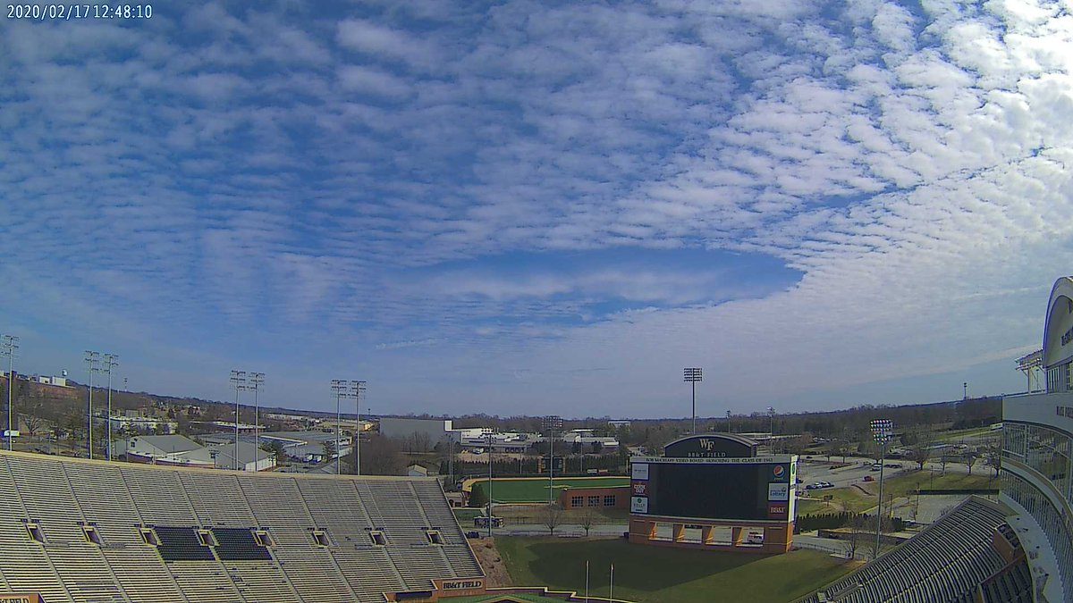 ...and here's what they look like from the ground, courtesy of BB&T Field's @WeatherSTEM in Winston-Salem, NC!   https://twitter.com/WeatherGeeks/status/1229457861933182976 …pic.twitter.com/O7pXkD5SnS