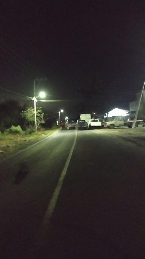 #ReporteCiudadano Usuarios reportan el cierre en la carretera paso de Cortés a la altura de San Nicolás de los Ranchos, el fin de semana por una fiesta sin importar que es una ruta de evacuación. Cc @PC_Estatalpic.twitter.com/3mPlKVlJdP