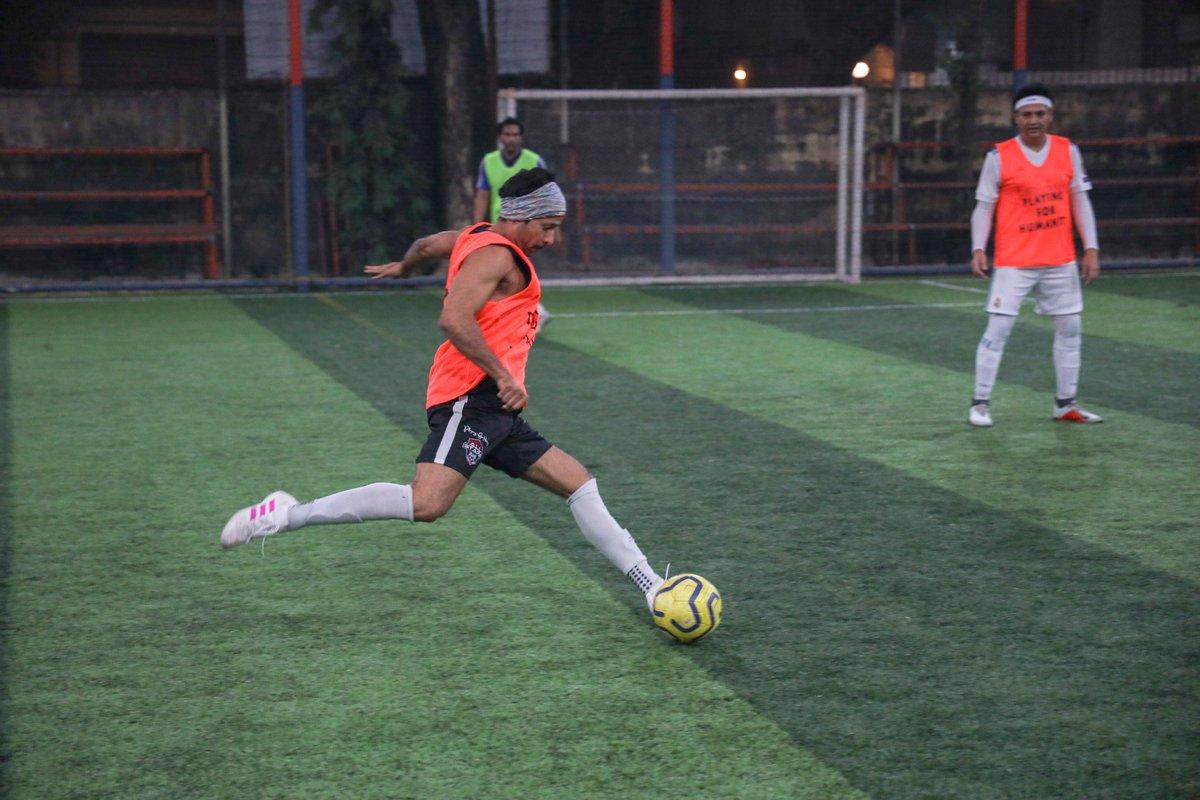 (2/2)  #AllStarsFC #PlayingForHumanity #ASFC #PFH #Football #Bollywood #Celebrities  #LetsPlay #Actors #Celebspic.twitter.com/XtAPUlwwpX
