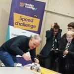 EQaLykiXUAARgPv - Raising Robots - LEGO Mindstorms EV3 & WeDo