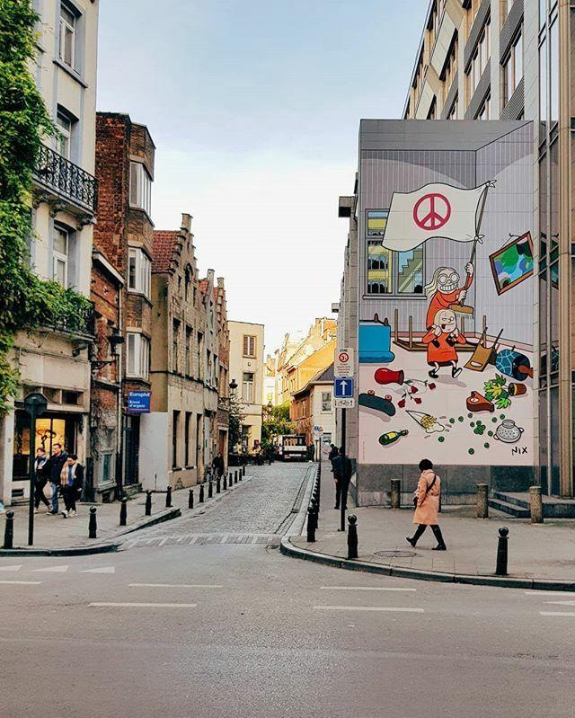 P H O N E!  photo  . . . #bruxelles #brussels #belgium #bruxellesmabelle #bruxellestagram #belgique #visitbrussels #bruxellesjetaime #brussel #welovebrussels #creatorswillcreate https://ift.tt/2OIx0gupic.twitter.com/buigwQSwdt