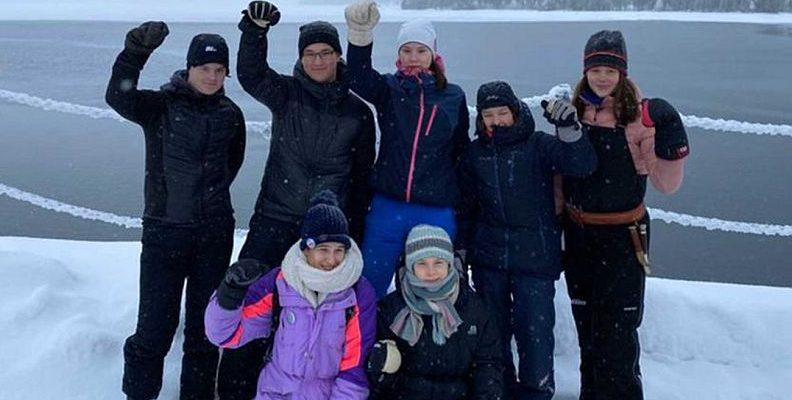 Greta Thunberg, Samilerle birlikte iklim eyleminde  Genç aktivist Finlandiya'nın Laponya bölgesinde düzenlenen eylemde, 'İklim değişikliği en çok yerli halkları olumsuz etkiliyor' dedi.  #Sami #Laponya #İklimKrizi #İklimAktivizmi #İklim #Arctic   https://t.co/EgeOqDDecT https://t.co/Eygz7UtwrZ