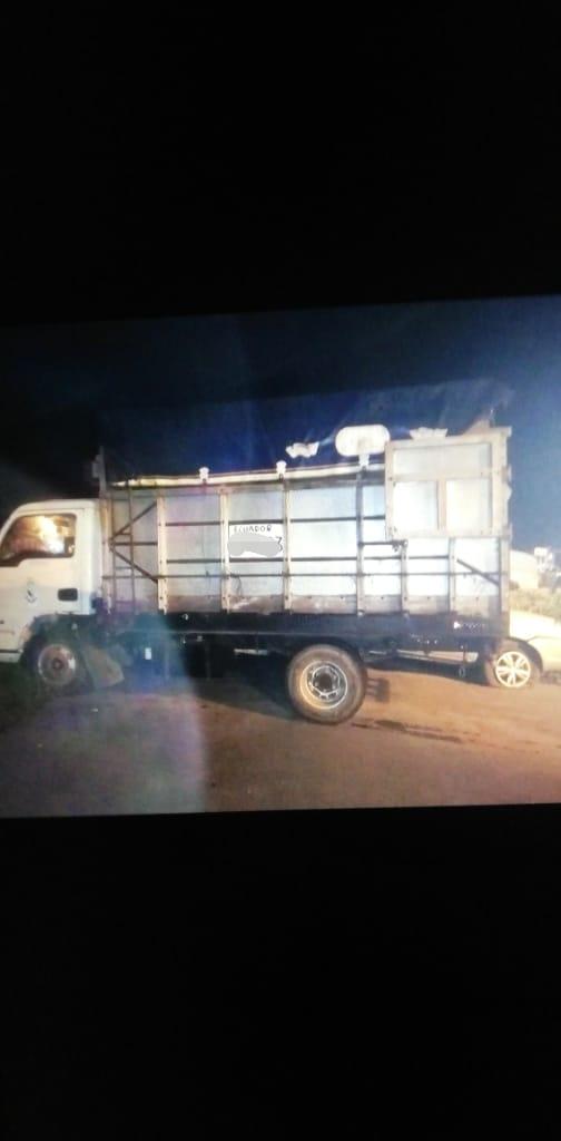 En #Cañar, labores investigativas permitieron recuperar un vehículo tipo camión que había sido sustraído en la vía #ElTriunfo - #Bucay #DirPolicíaJudicialpic.twitter.com/pnm2Dd0lrW