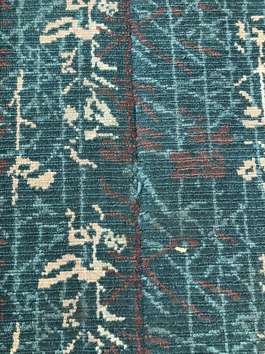 This design was made for flying. That's just what we'll do, today my shoes are gonna walk all over you.  Poor poetry writing while at @MCO #Flyingcarpet #Orlandopic.twitter.com/GUByenxTtx