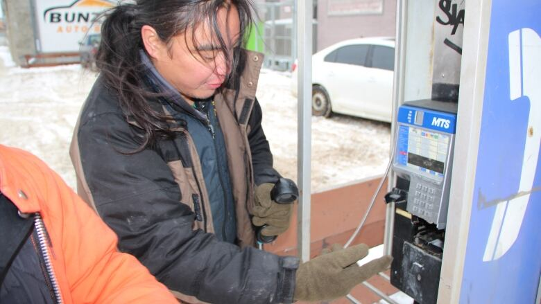 Smartphones are spreading and pay phones are disappearing, but despite the dwindling supply some say the public booths still serve an important role — though youd be hard pressed to find a working one in and around #Winnipegs core. cbc.ca/1.5451875 via @brycehoye