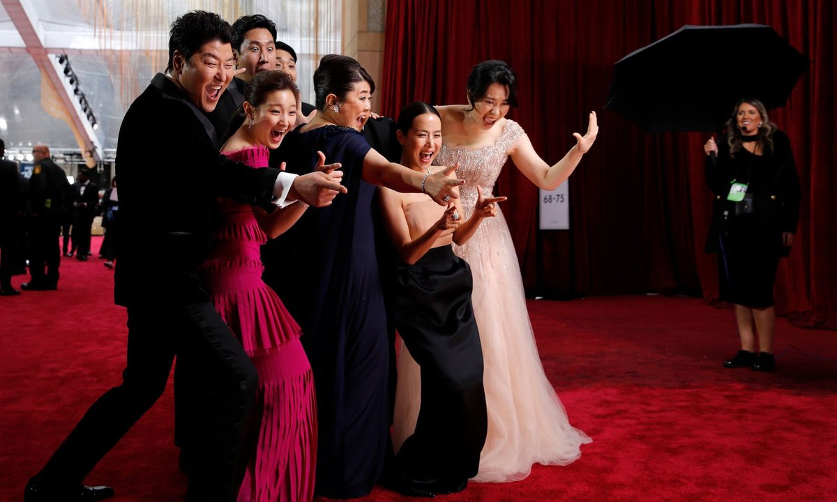 When you win your country's first four #Oscars in one night. #Parasite #BestPicture #BestDirector #BestOriginalScreenplay #BestInternationalFilm pic.twitter.com/V3e1n7wjaP