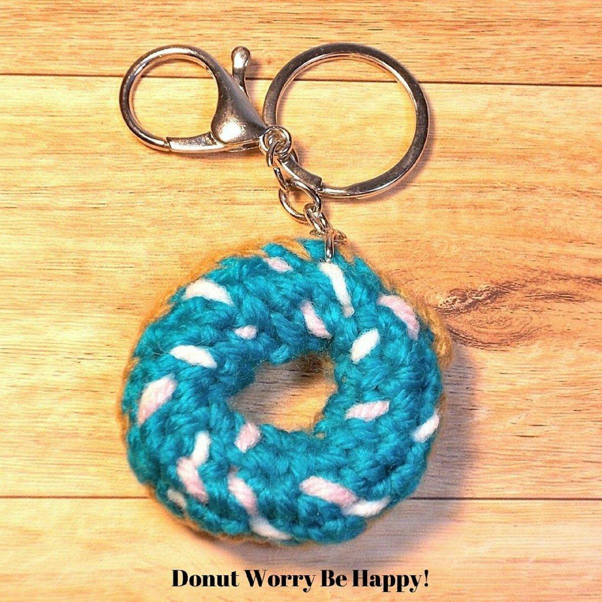 Crochet donuts key chain part 1 : โครเชต์พวงกุญแจโดนัท คลิป 1 ... | 1200x1200