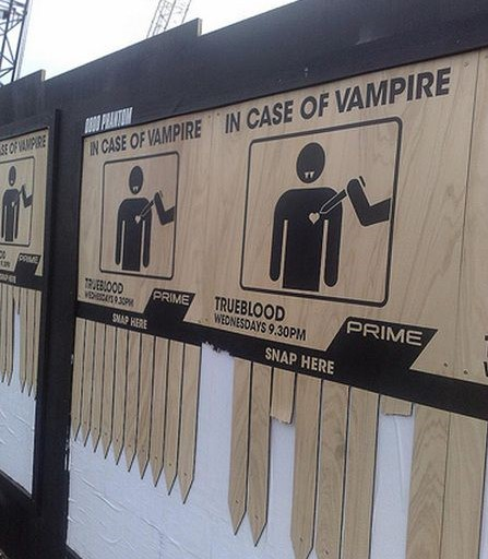 Old promotional signage for TV show, True Blood. (Should we be concerned that a few stakes were taken?!)   #promotion #tvcampaign #ooh #funnysigns #marketing #advertisingpic.twitter.com/wVnSN8JUl6
