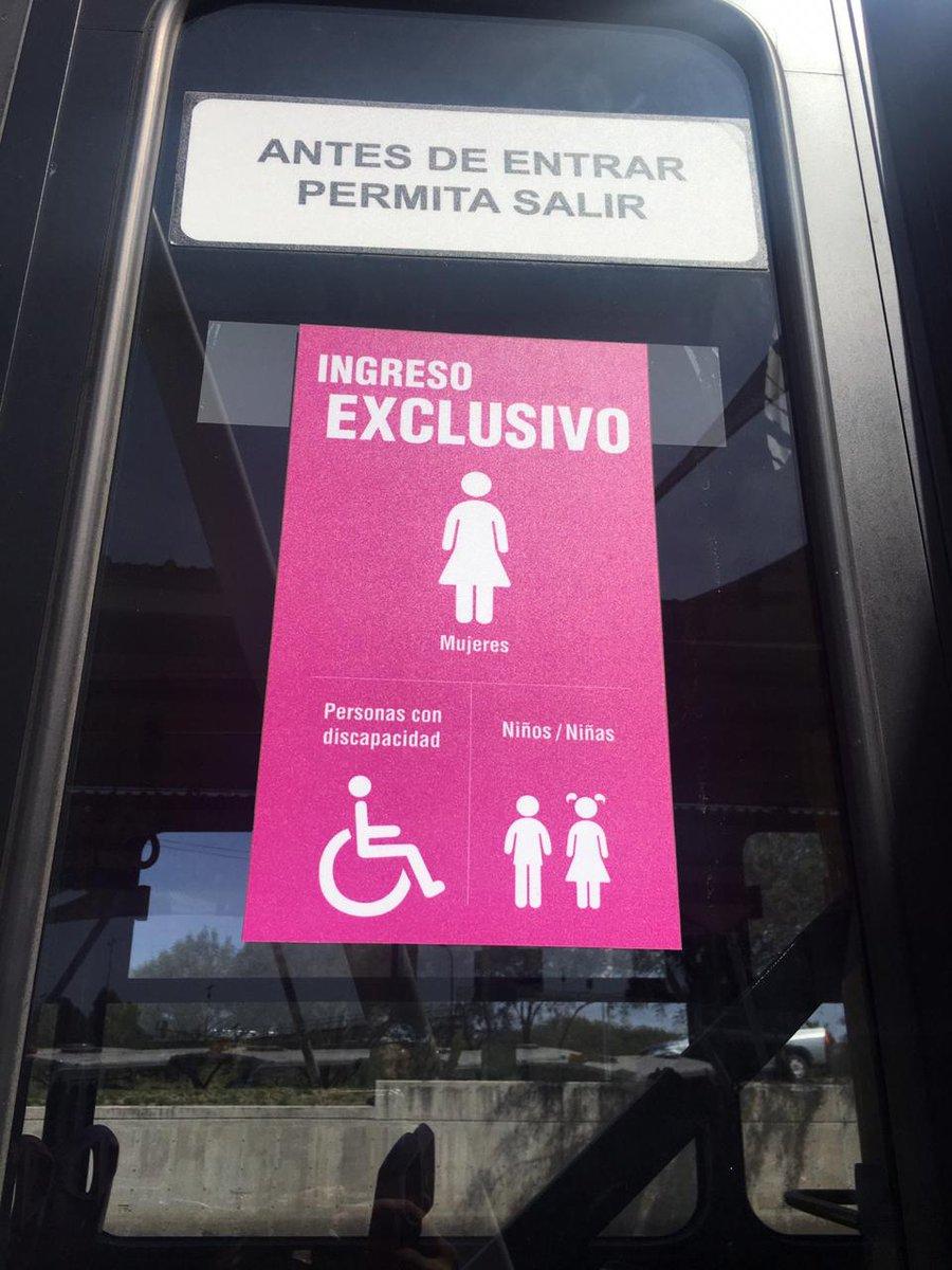 Respeta los asientos designados exclusivos para mujeres si utilizas los vehículos articulados mixtos 🚌 #TambiénEsMiEspacio