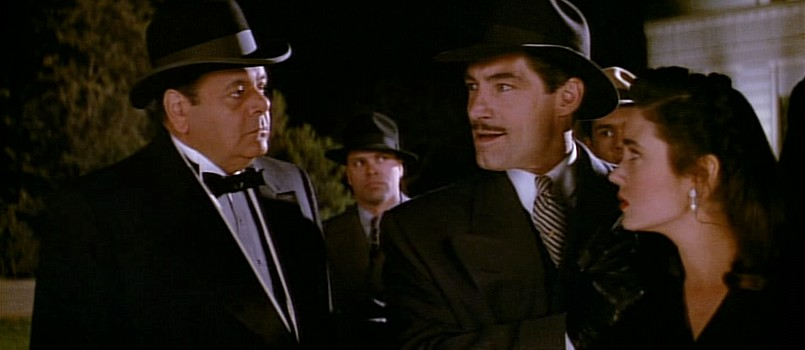 """I may not make an honest buck, but I'm 100% American and I don't work for no two-bit Nazi!""         -Mobster Eddie Valentine  My favorite line in 'The Rocketeer'.  I love this movie so much    #TheRocketeer #TimothyDalton  #JenniferConnellypic.twitter.com/fMGlx22r2Y"