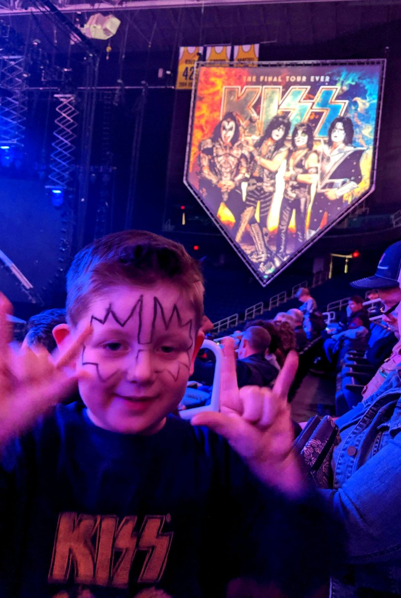 #KISSKids Rock! Ryker LOVES #KISS & especially @tommy_thayer. He had a great time at the #Greensboro show the other night! #EndOfTheRoad World Tour
