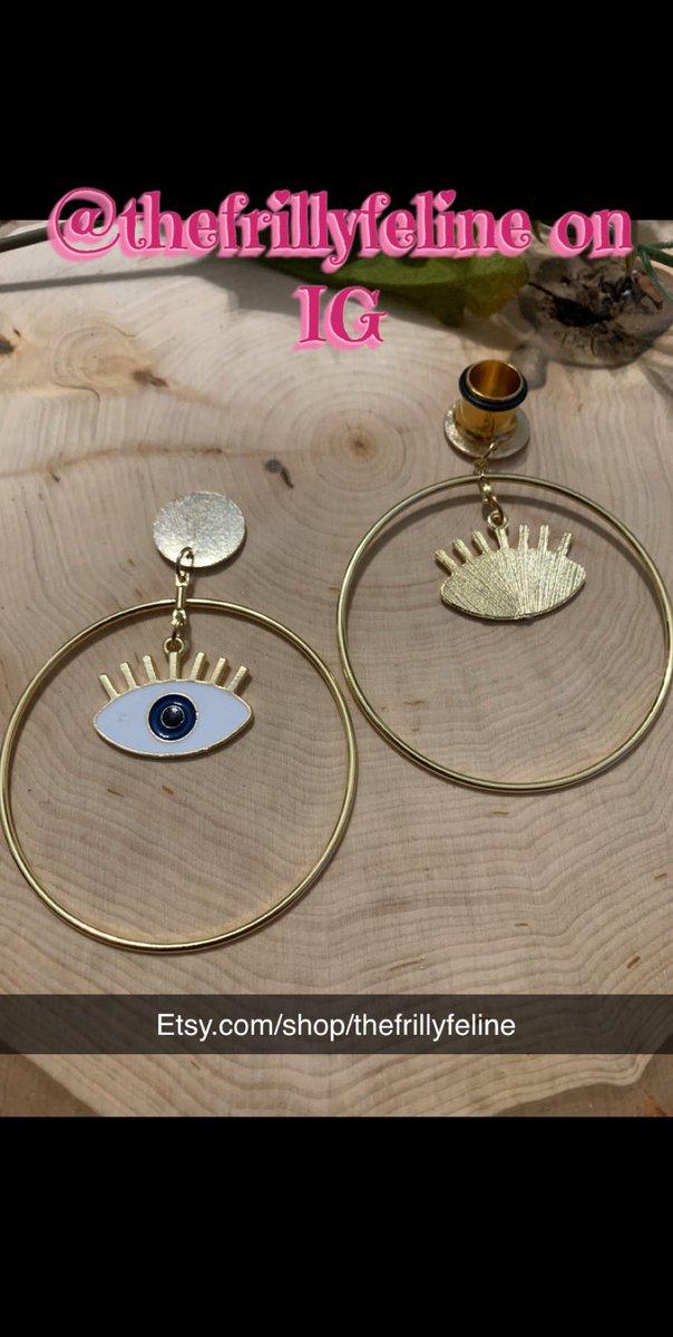 http://Etsy.com/shop/thefrillyfeline… #gauges #eargauges #gauge #gaugedears #girlswithgauges #earpiercings #earpiercing #earrings #plugs #plugearrings #dangleplugs #stretchedears #alternative #alternativegirls #piercings #girlswithpiercings #girlswithtattoos #jewelrypic.twitter.com/wQrzYSmbLD