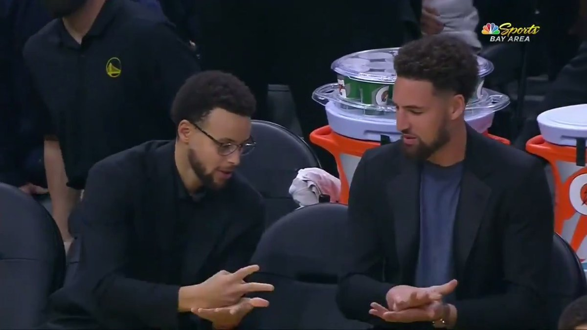 Steph and Klay played rock paper scissors to see who would honor Iggy after his tribute video.
