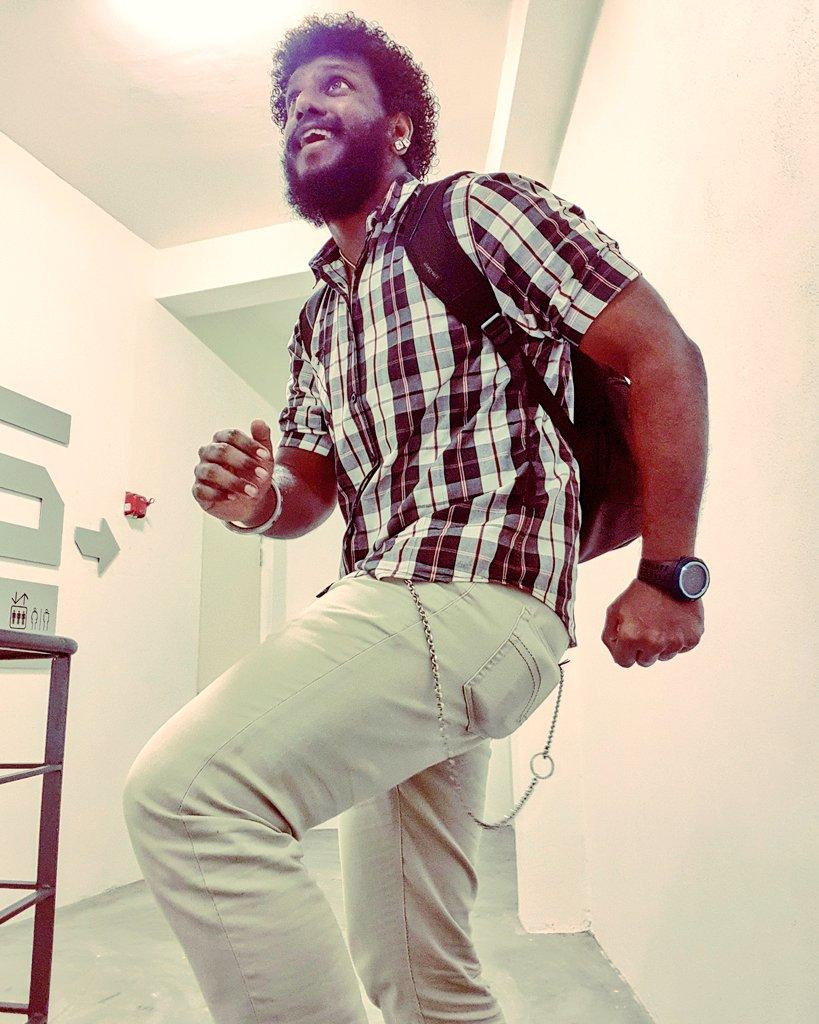 #bearded #beardedmen #beardedman #beardedbear #beardedlifestyle #beardeddad #beardedindian #indianbeardedmen #southindian #sinhalese #srilankan #malaysianindian #alaghaporanthathuentappa #sado #abamsado #abangsado #abgsado #afrohairstyle #afrohair #afrohairstyles #afropic.twitter.com/d5BFQVaS2C