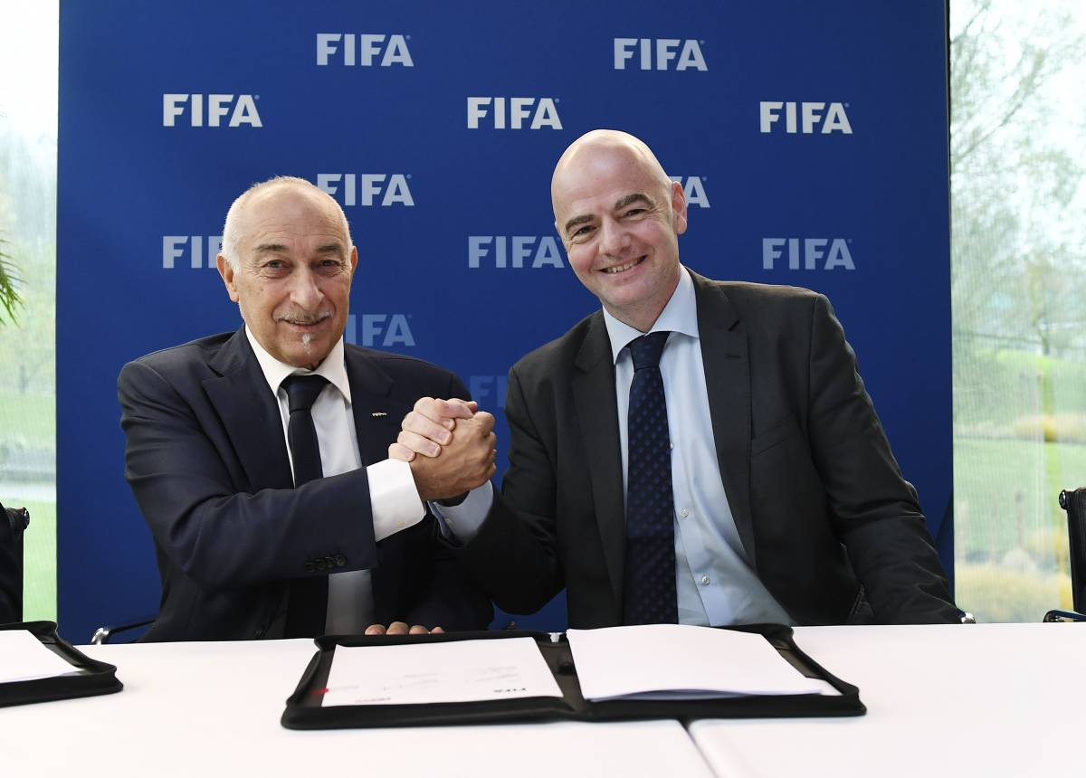 FIFA set to launch global fund for player salary protection ▶️https://t.co/J7Ixgd3Pzq https://t.co/puew4cbaNd