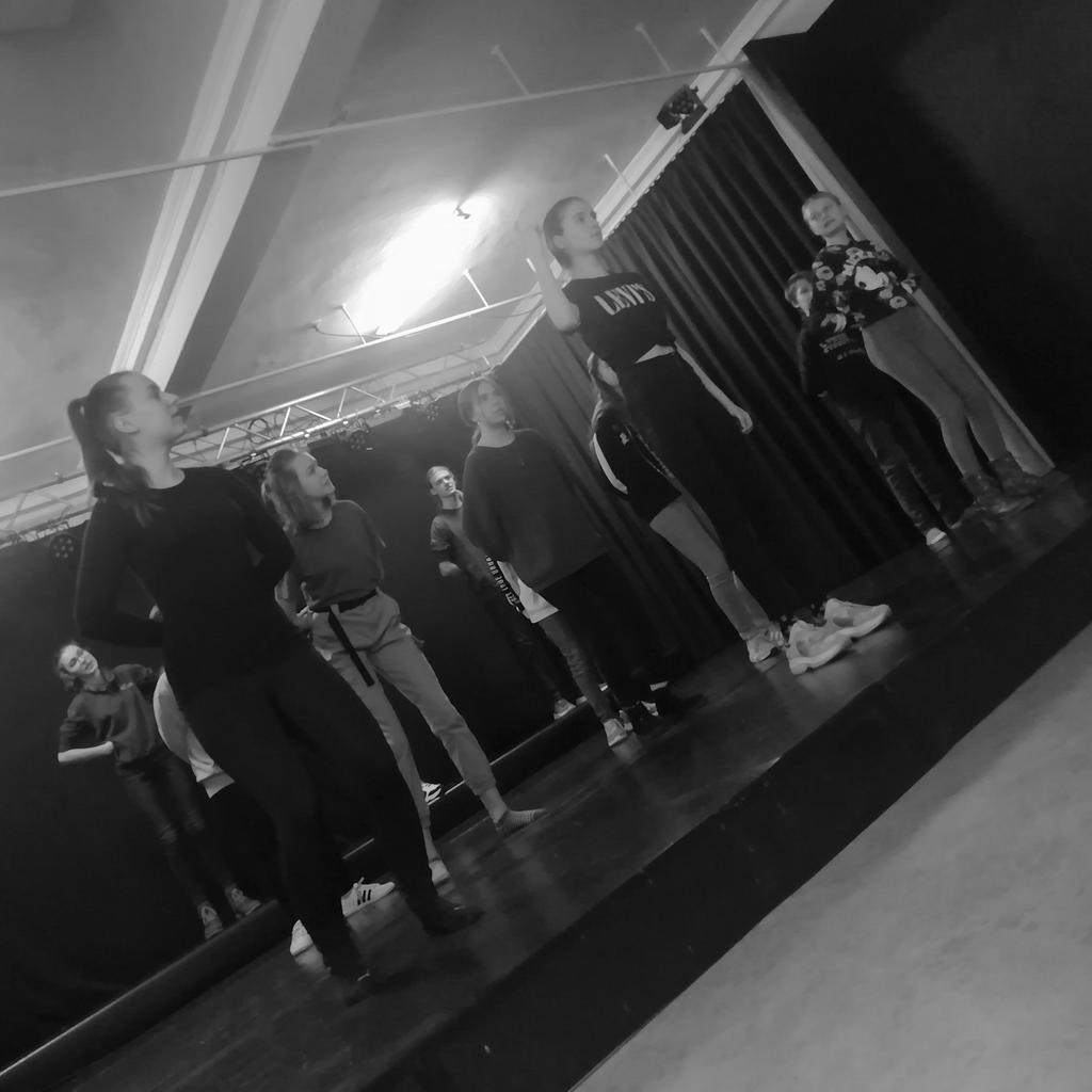 Wir nutzen die Winterferien für Proben zu MAX & MORITZ. Die Premiere ist für den Sommer geplant.  Foto: Katharina Berndt  #tohuwabohu #maxundmoritz #wilhelmbusch #jugendtheater #meiningenpic.twitter.com/KxnVXDRvwF