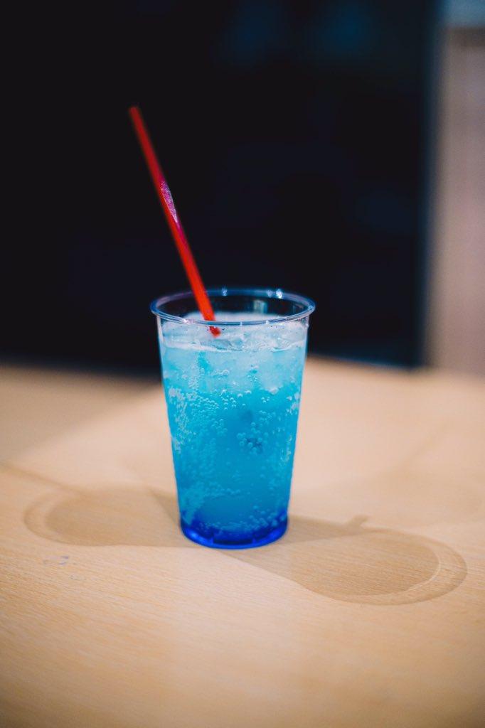 美しすぎる!大阪の海遊館で食べられる「青」の食べ物が話題