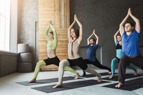 Here are the Yoga Clothing Tips by #trackyoga For Beginners On What to Wear to Practice https://buff.ly/2GQzNjg  . . . . . #yogaanywhere #yogaclothes #yogafashion #YouthWithYou #yoga #yogabeginners #yogapracticepic.twitter.com/hG05h90dTl
