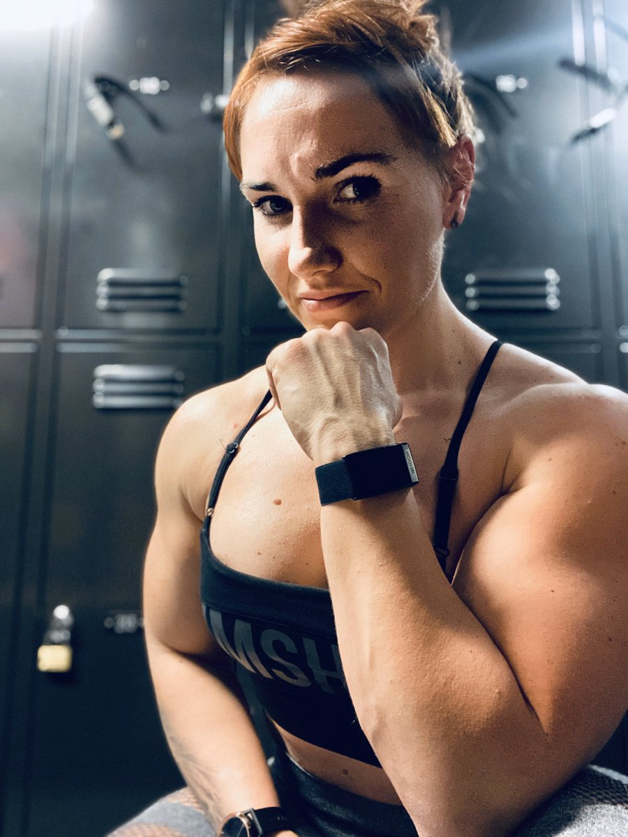 What are you trying to compensate in life? Me? Nothing! I just have dreams and ambitions. The things that I can't  are my biggest drive. I'm not trying to prove anything to nobody. Nobody but me. It's good to have in life things that make you restless. #girlswhopowerlift pic.twitter.com/YalGHqqq4Z