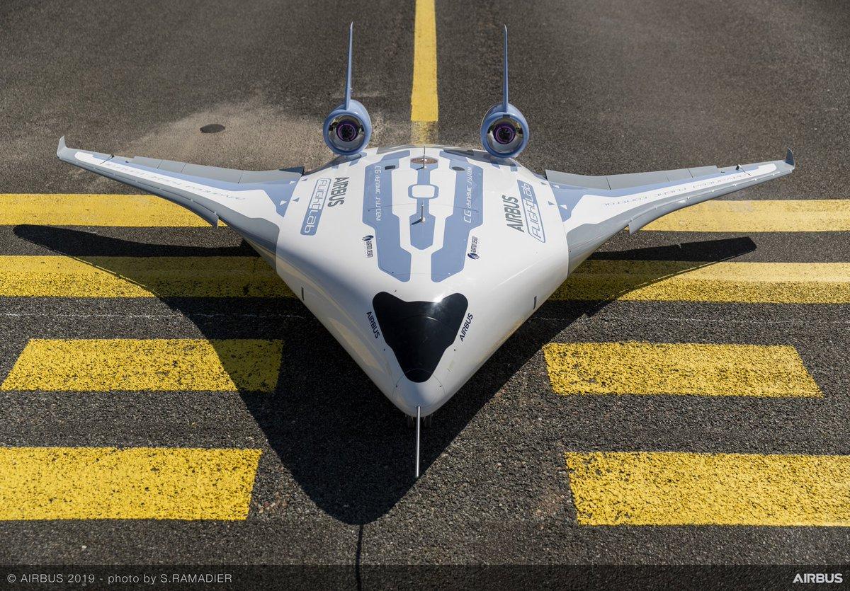 #Maveric Airbus nous fait rêver avec des voyages somptueux à bord de l'aile volante Maveric. Large fuselage ! #avgeeks