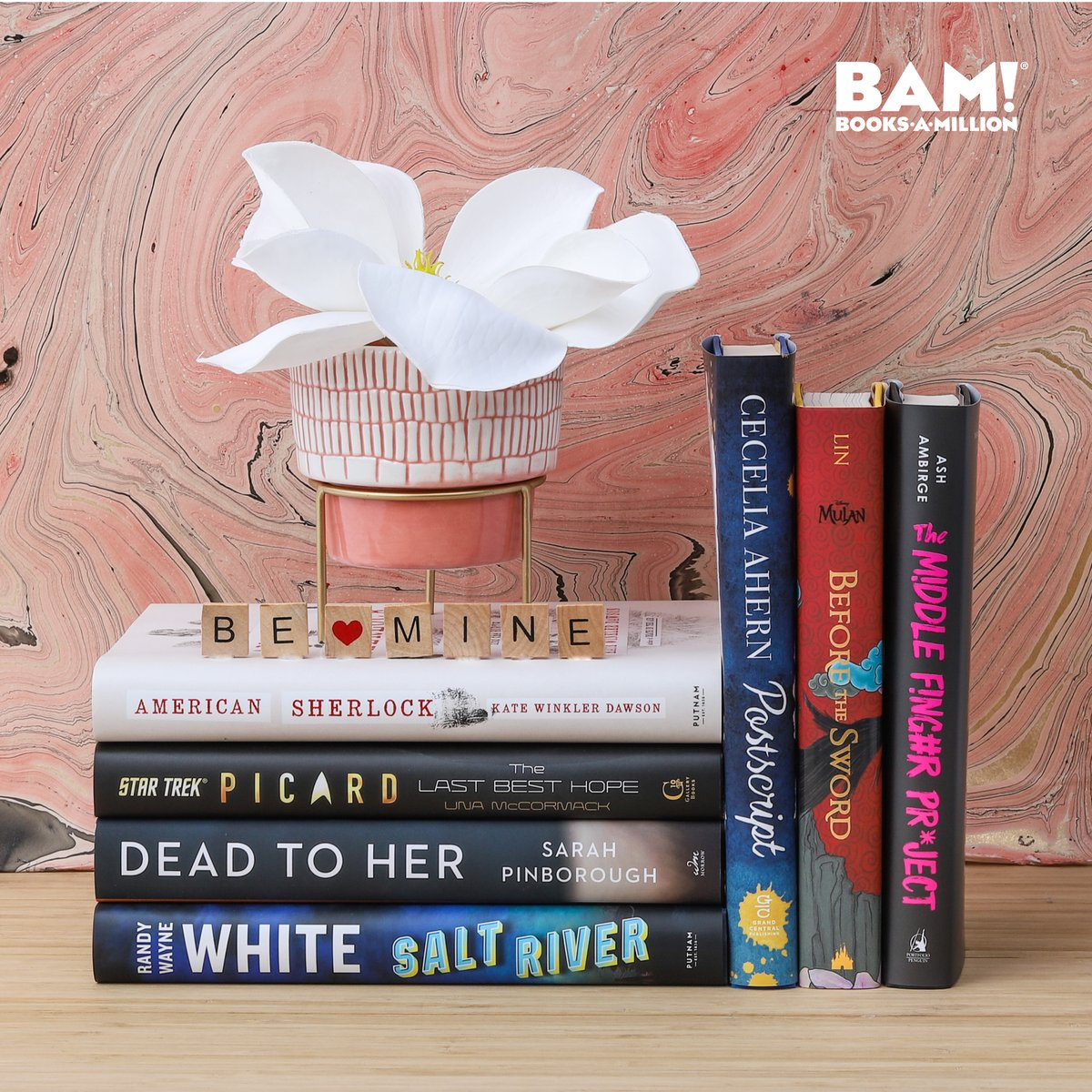 We ❤️ New Release Tuesday! What are you reading first? bit.ly/2S05hdX